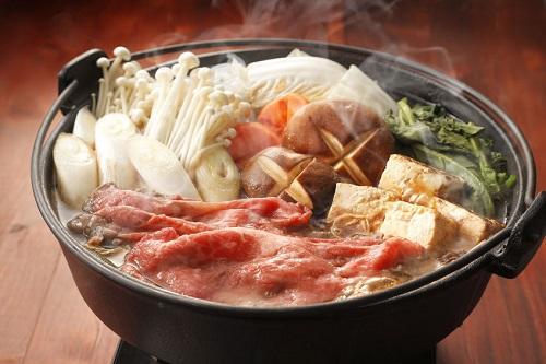正しいすき焼き具材の切り方は?美味しい作り方や食べ方を知ろう