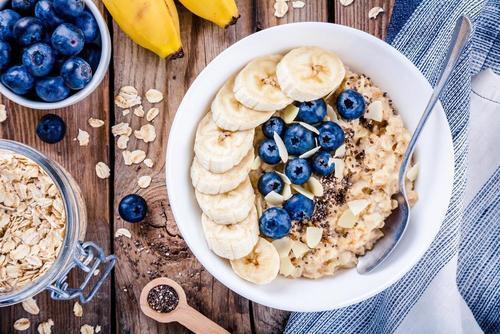 栄養素 オートミール 多くの人が知らないオートミールとグラノーラの違いについて