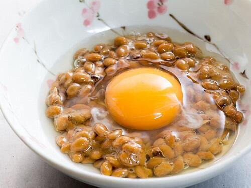 納豆と生卵】は美味しいのに相性が悪い?その真相とは? | 食・料理 | オリーブオイルをひとまわし