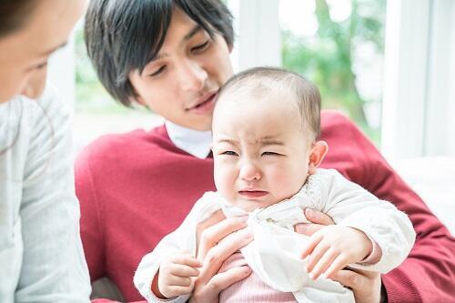 いつから 赤ちゃん 人見知り