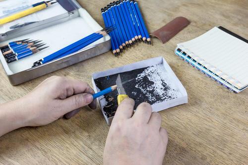 方 デッサン 鉛筆 削り
