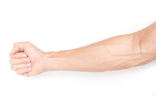 握力の鍛え方とは?前腕筋のトレーニングで握力もたくましさもアップ | 身嗜み | オリーブオイルをひとまわし