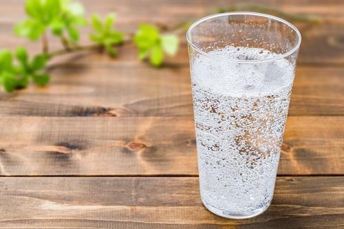 割合 割り 梅酒 ソーダ 梅酒の飲み方はロックやソーダ割だけではない!
